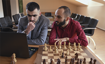 The best openings to start/continue your chess career